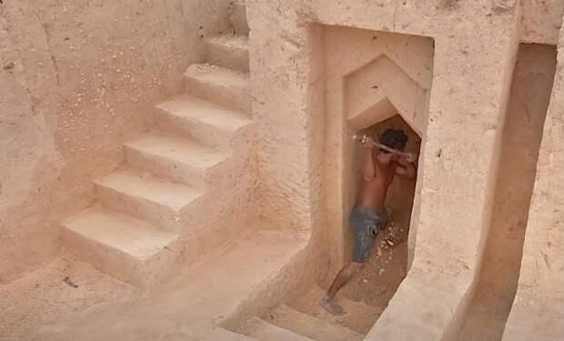 Подземный дом с бассейном