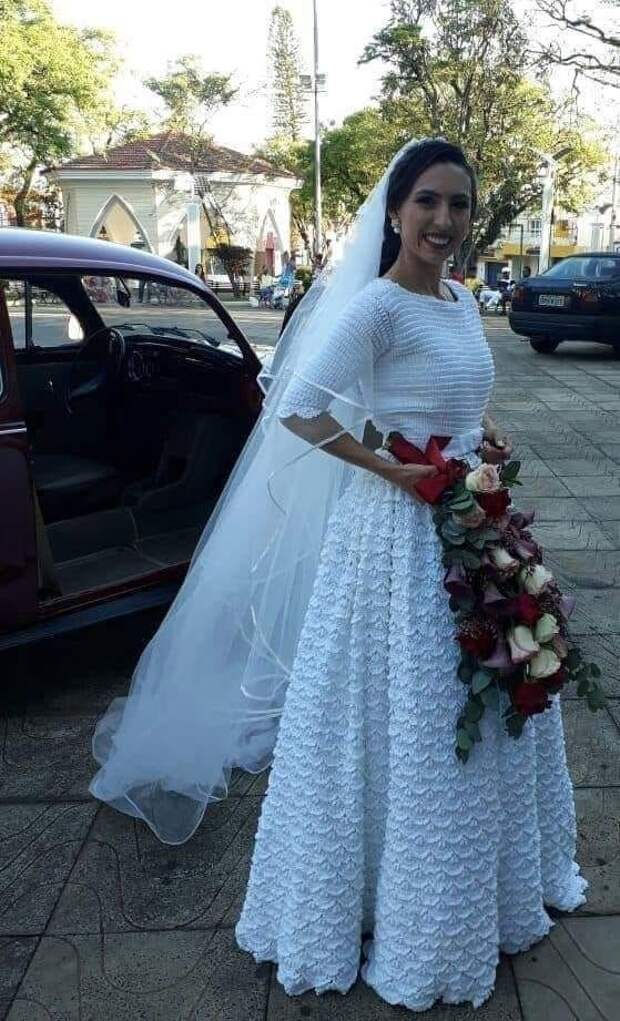 Вязаное крючком свадебное платье