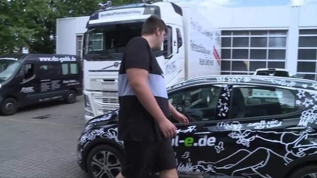 Авто для великана: как немец сростом 224см воплотил вжизнь мечту