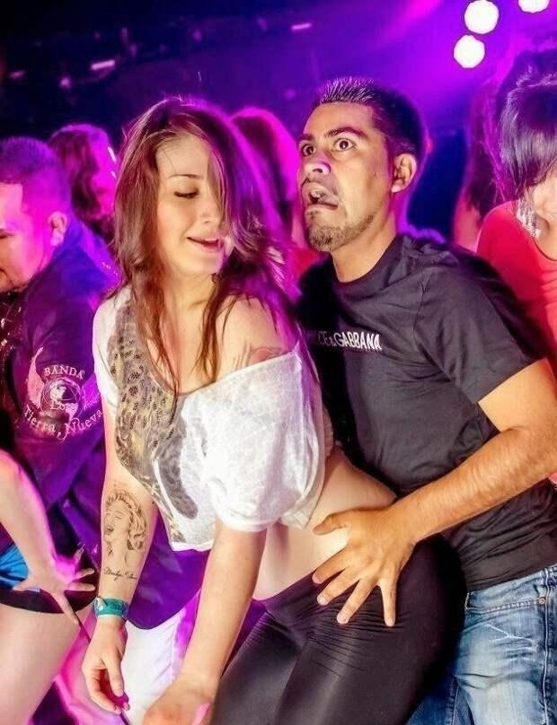 Клубные фотографы умеют ловить моменты! вечеринка, дискотека, клуб, молодежь, ночной клуб, прикол, юмор