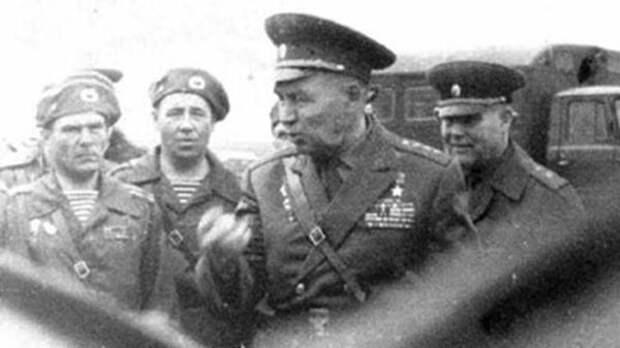 """Как легендарный """"дядя Вася"""" элитные войска нацистов пленил Василий Маргелов, Великая Отечественная война, Командир, ВДВ, Подвиг"""