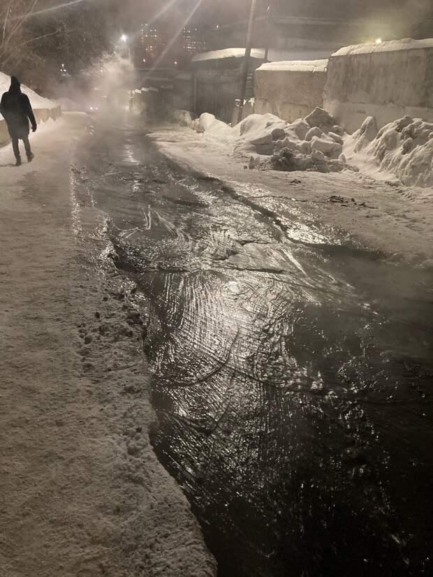 Жители Ижевска пожаловались на двухдневный потоп улицы Кооперативной