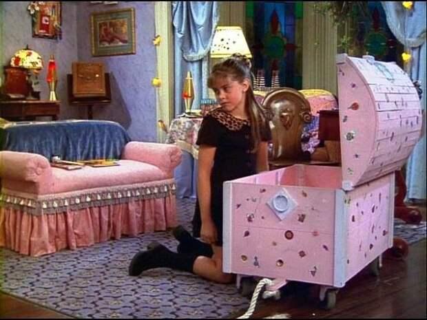 А вы знали, что взбалмошную кузину Сабрины, играла родная сестра Мелиссы Джоан Харт - Эмили Харт?
