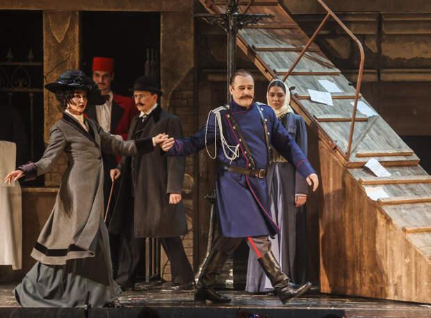 Ольга Бузова дебютировала на сцене МХАТ: как это было