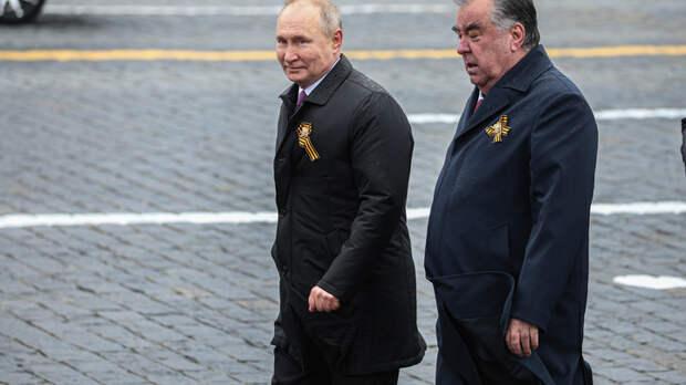 """Хазин увидел сигнал в речи Путина: """"Времени у США осталось очень мало"""""""