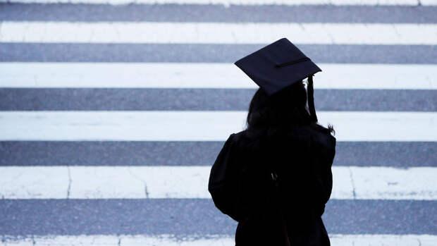 Почему российским студентам в США не на что жить