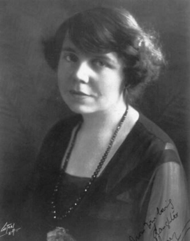 Мэри Луиза Конан Дойл, 1919-1920.
