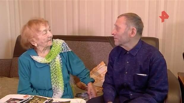 Иркутские пенсионеры сделали прививку ради танцев