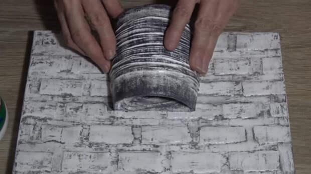 Необычное и нетривиальное панно из простых материалов