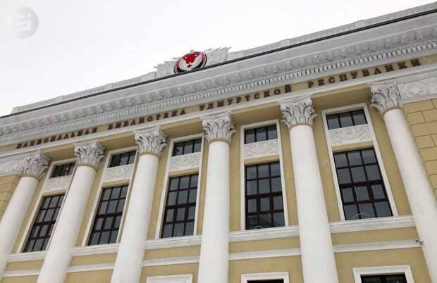 Журналисты познакомились с состоянием ремонта в Национальной библиотеке Удмуртии