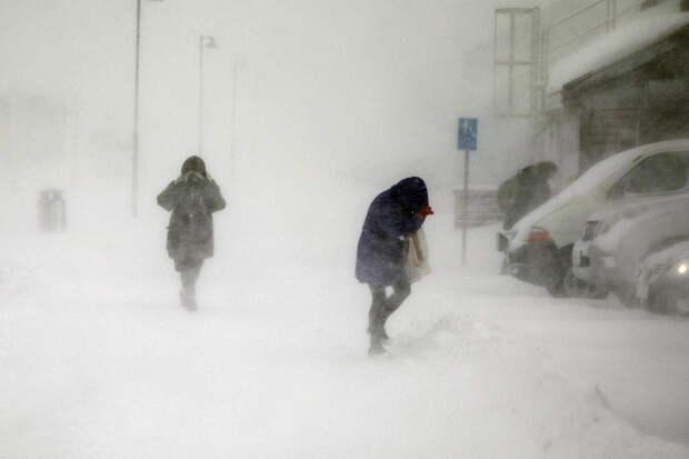 Аномальные морозы и ураганный ветер придут в 13 регионов России