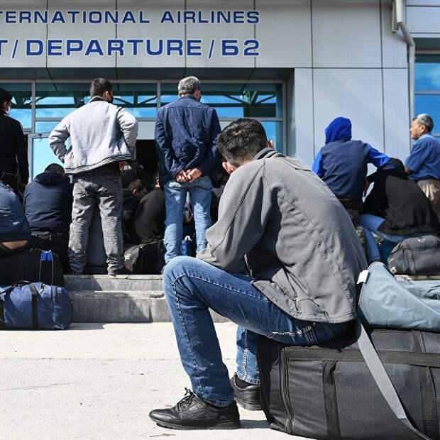 Из России начали массово депортировать мигрантов