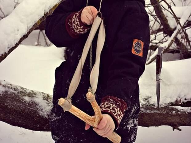 Жительницу Сахалина оштрафовали за пикет против школьника-хулигана