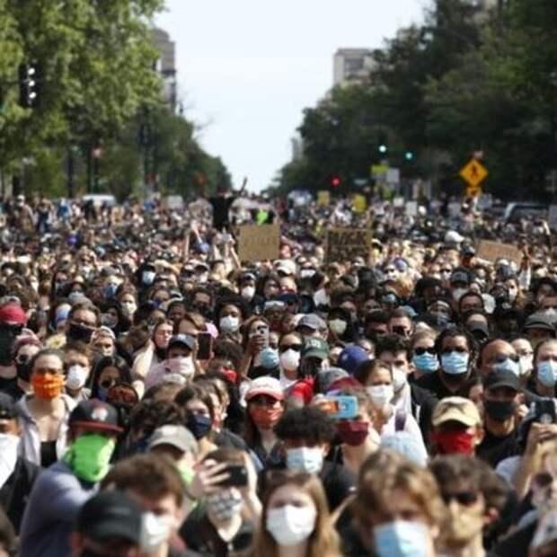 Протестующие потребовали от властей решить проблему расизма в США