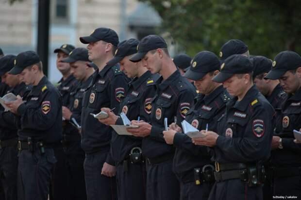 Силовики в России получат перед выборами 15 тысяч рублей