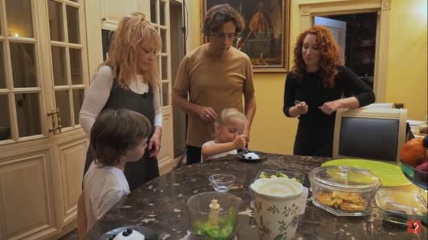 Максим Галкин рассказал о суррогатной матери своих детей