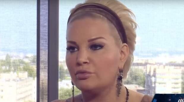 Мария Максакова была вынуждена сделать короткую стрижку: она начала лысеть