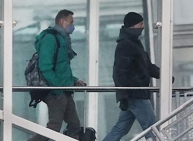 США и Европа требуют немедленно освободить Навального, а Прибалтика призывает к новым санкциями