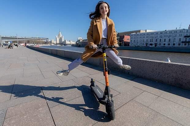 В Госавтоинспекции рассказали, будут ли изменены правила езды на самокатах и велосипедах