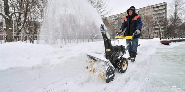 Улицу Менжинского очистили от снега