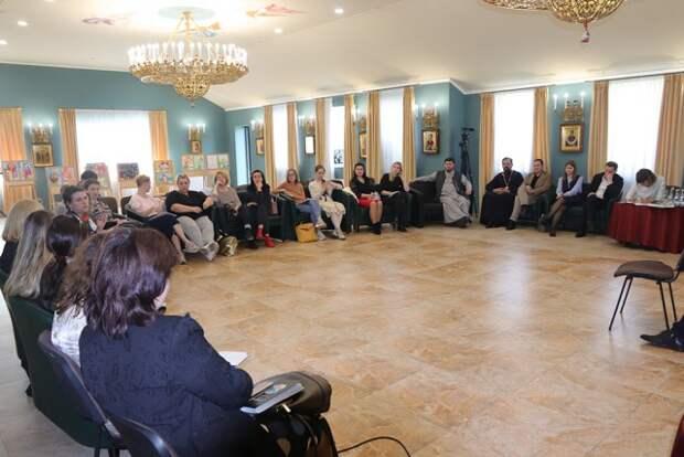 Прошел обучающий семинар - интенсив-курсы ´Любовь - это... ´ для участников фестиваля ´Счастье в детях´.