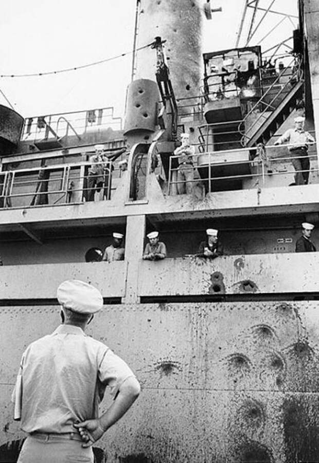 Поврежденный корабль USS Liberty (Фото: U.S. Navy/ wikipedia)