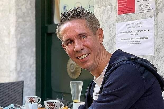 «Все счастливы»: Панин прошелся без трусов по испанскому курорту