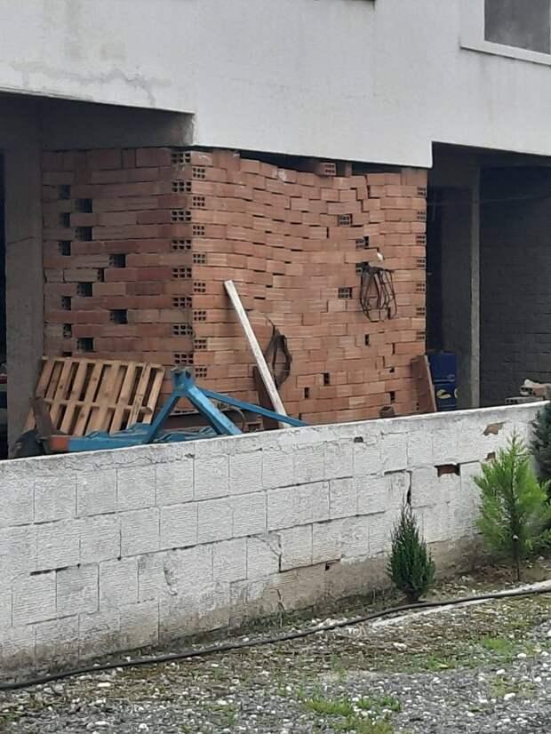 13 строительных ляпов и курьезов, вызывающих одни вопросы