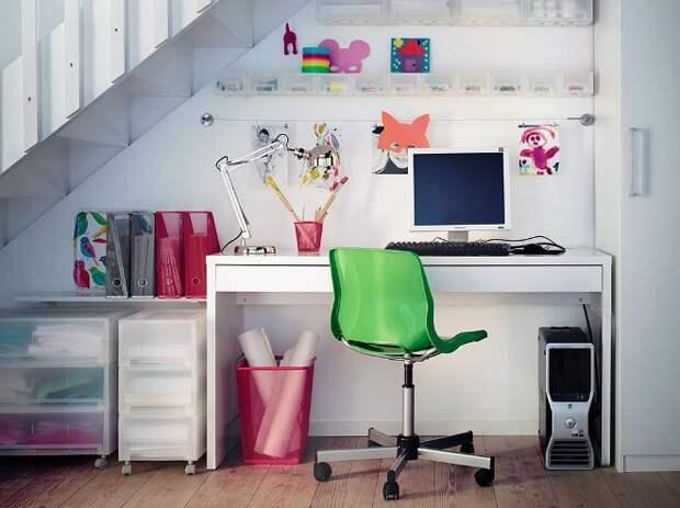 Современный уголок школьника: как организовать практичное место для учебы и отдыха (32 фото)