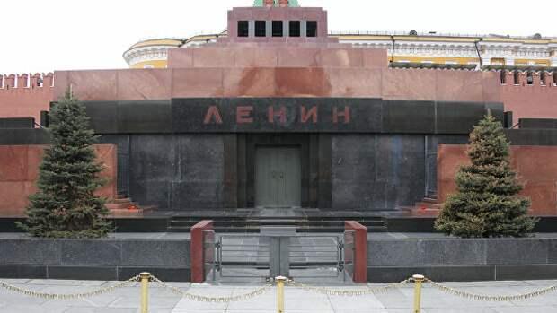Почему мавзолей Ленина маскируют на День Победы. От кого скрывают памятник