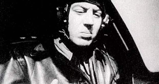 Почему Василий Сталин Пе-2 боялся