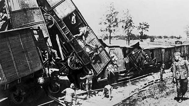 Самую результативную диверсию в годы Второй мировой войны совершил в одиночку советский партизан. Немцы думали, что это был налет советской авиации