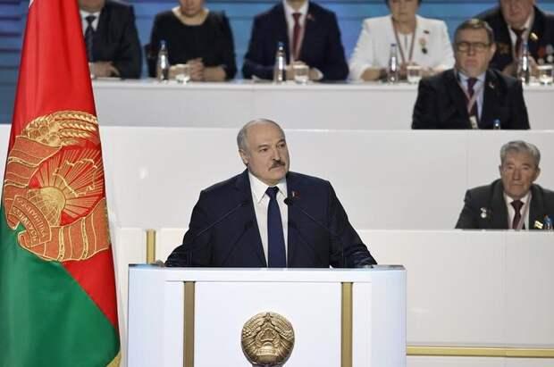 Лукашенко готов мирно уйти, если его и окружение никто не тронет