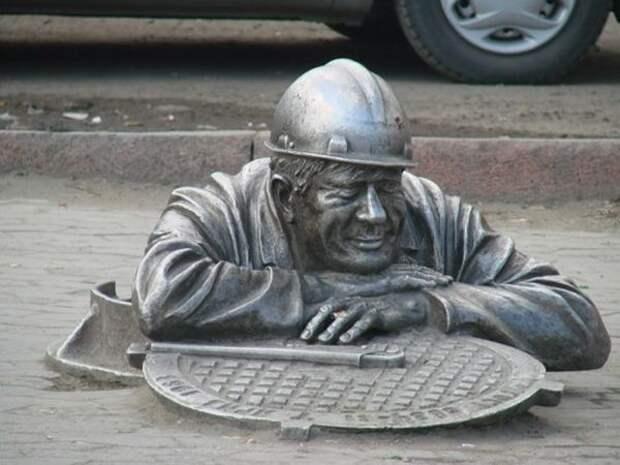 Самые странные памятники России