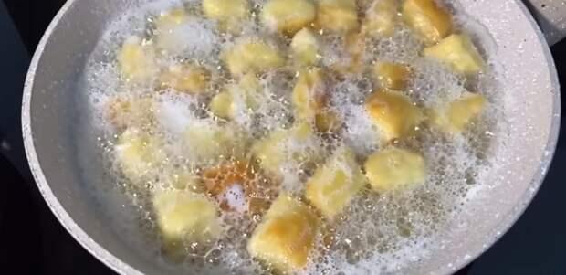 Уже 2 дня подряд их готовлю! Лимон и мука для вкусняшек к чаю. Лимонные подушечки