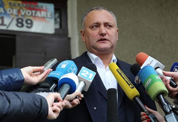Додон заявил о своей победе на президентских выборах в Молдавии