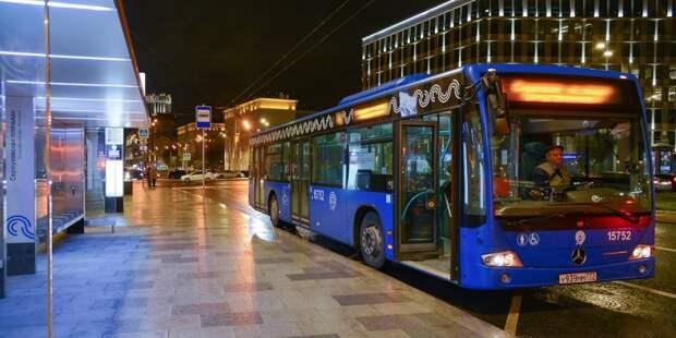 Шесть автобусов изменят маршрут в Хорошёво-Мнёвниках из-за ночной подготовки к параду