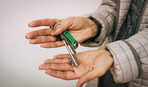 Чиновники в Оренбуржье пытались лишить законного жилья молодую семью