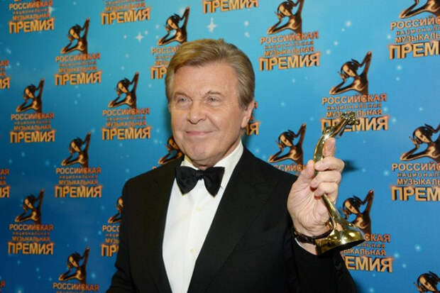 ЛевЛещенко объяснил, зачем певцы матерятся сосцены