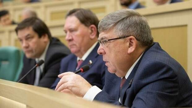 Первый зампред Комитета Совета Федерации по социальной политике Валерий Рязанский