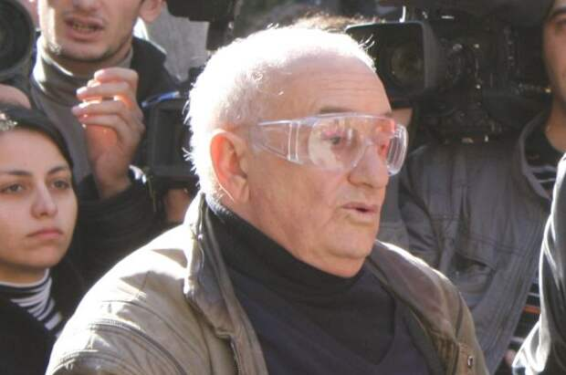 В Грузии простились со сценаристом «Мимино» и «Кин-дза-дза» Резо Габриадзе