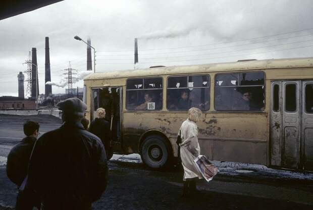 Россия 90‑х в фотографиях французского фотожурналиста Жан-Поля Гийото
