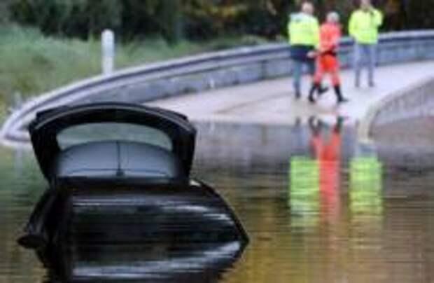 Шесть человек погибли из-за наводнения во Франции