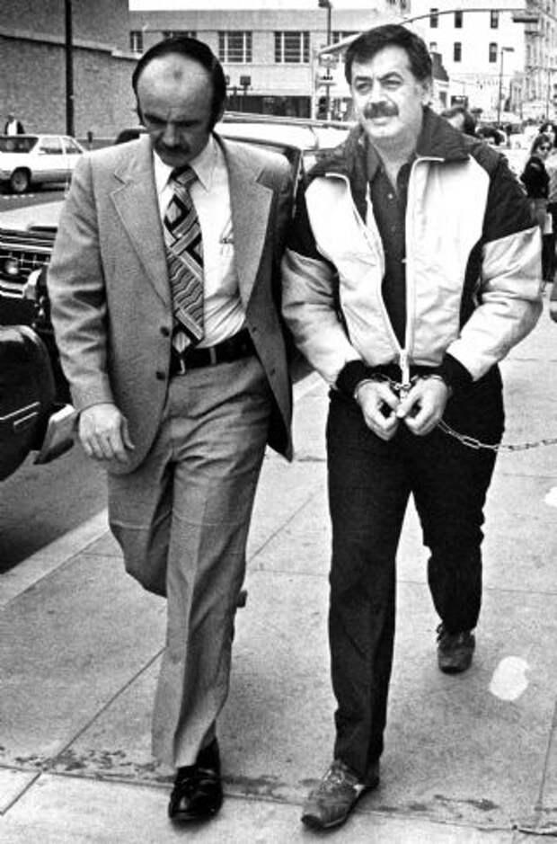 Кокаиновый медведь, или История отом, как американский полицейский стал известным наркоторговцем
