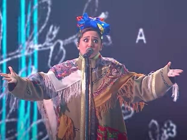 Express: За платье, из которого Манижа «встала и пошла» в Роттердаме, ей предрекли победу на «Евровидении»