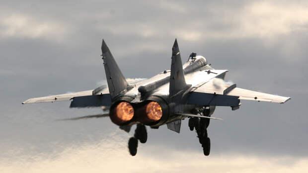 МиГ-31 успешно перехватил американский самолет-разведчик над Чукотским морем