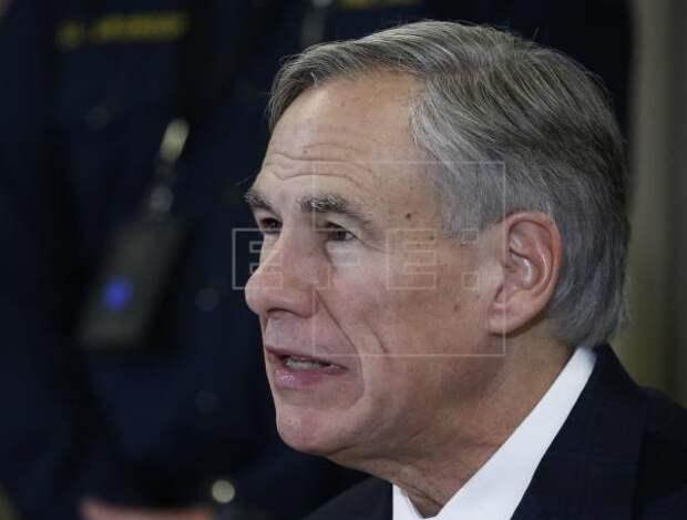 INMIGRACIÓN TEXAS - Gobernador de Texas refuerza su operativo antiinmigrante en la frontera