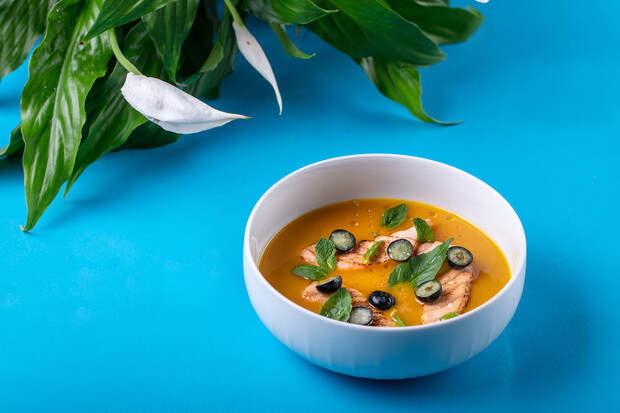 4 лучших рецепта холодных супов для жаркого лета