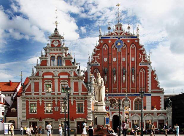 Public-Square-Riga (700x515, 480Kb)