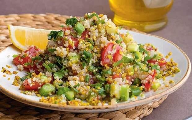 Салат из овощей из киноа. Оригинальное и простое блюдо